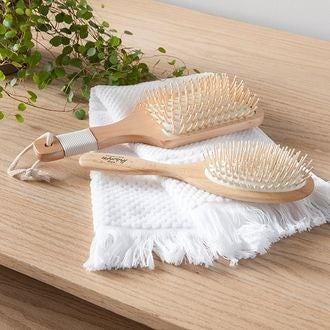 REDECKER - Brosse à cheveux avec picots massants en érable et base en hêtre