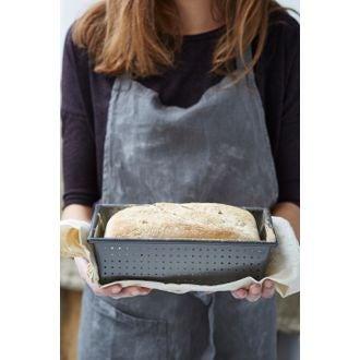 Moule pain perforé revêtu 907g