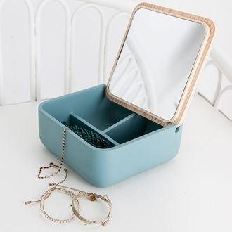 Boite à bijoux carré en polyrésine avec couvercle miroir en bois jade