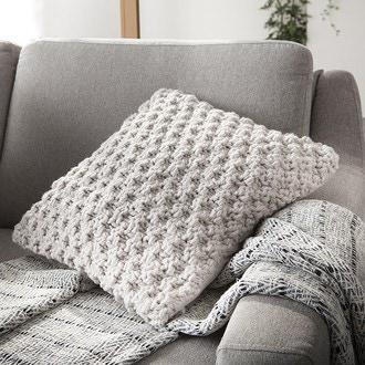 Coussin gros crochet sable Diod 45x45cm