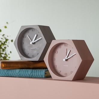 Karlsson - réveil hexagone béton brut silencieux 11,5x10x6cm