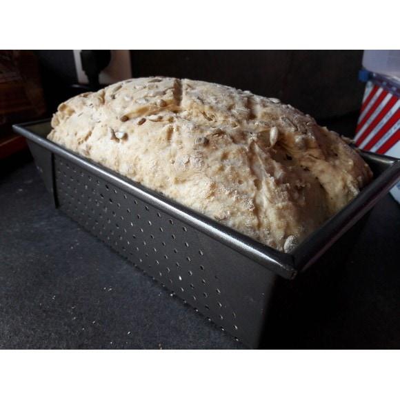 Moule à pain perforé en fonte antiadhésive 21cm