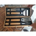 Mallette barbecue 4 ustensiles bambou et inox