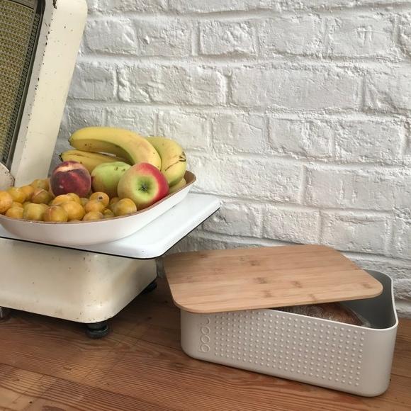 Boite pain petit modèle blanc couvercle bambou 19x29x11 cm