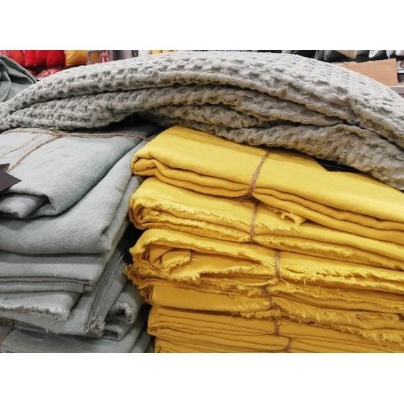 Copripiumino piazza e mezza in lino e cotone delavé giallo curry