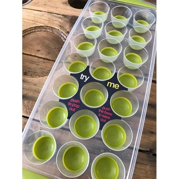Formaghiaccio 21 cubetti in plastica verde