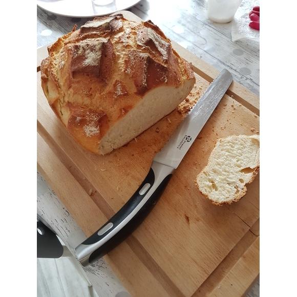Couteau à pain en inox forgé 20,3cm
