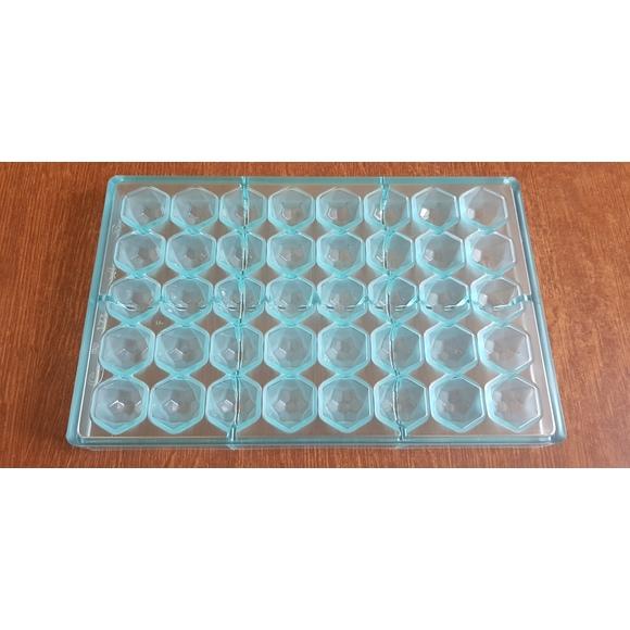 Moule à chocolats 40 diamants en polycarbonate