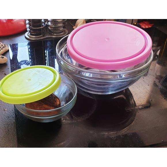 Set 4 insalatiere in vetro con coperchio in plastica Ø14-17-20-23