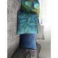 Cuscino rettangolare in velluto blu 70x40cm