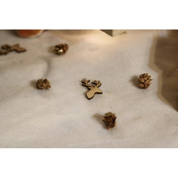 Sachet de 12 têtes de cerf en  bois