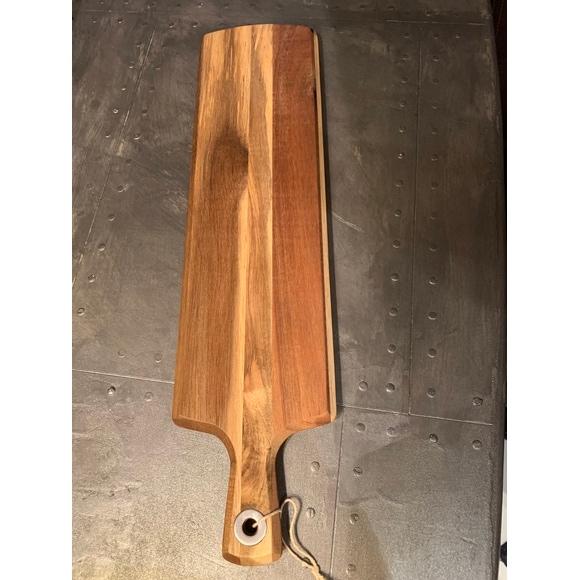 Planche à servir rectangulaire en bois avec poignée49x12cm