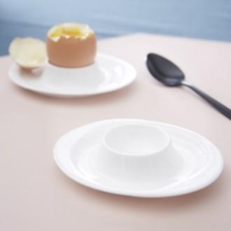 Coquetier oval en porcelaine blanche 11x9cm