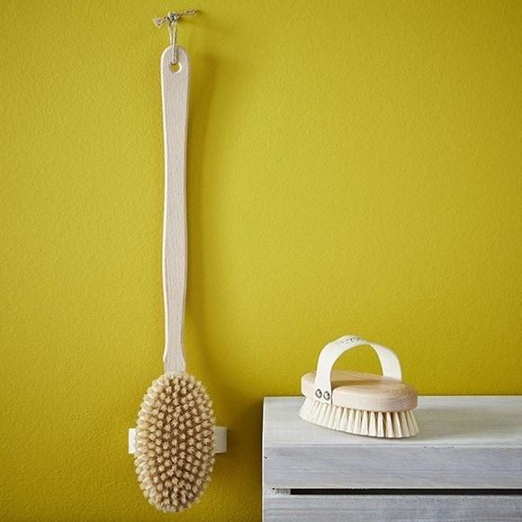 Brosse de bain pour le dos en bois de hêtre et crin naturel