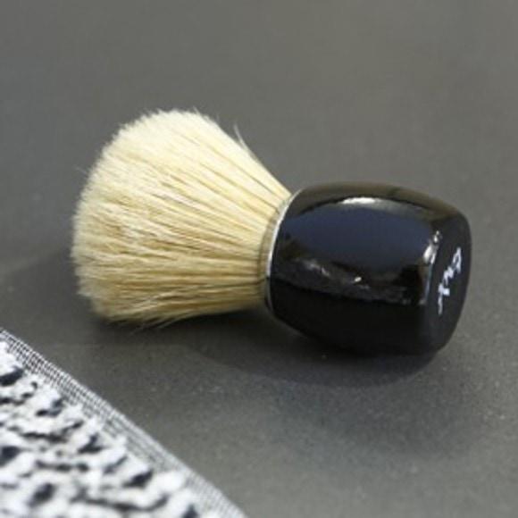 Blaireau noir laqué