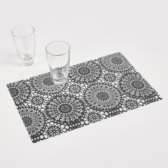 Set de table rosaces en pvc noir 30x40cm