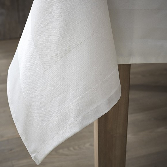 Tovaglia quadrata con bordo bianco Ø 180 cm