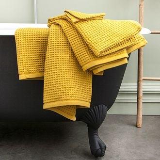Serviette de bain nid d'abeille en coton moutarde 90x150cm