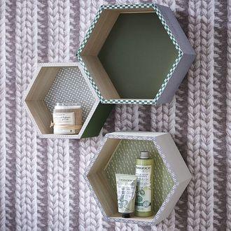 Set de 3 étagères héxagonales en bois brut 24 à 30cm