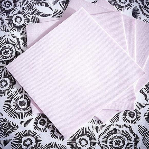 Achat en ligne 50 serviettes 40x40cm intissées rose poudre