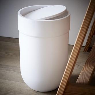 UMBRA - Poubelle de salle de bain soft touch à ouverture à bascule blanche