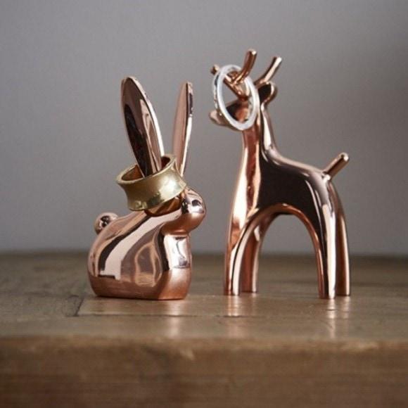 Porte bagues renne en métal cuivre Anigram
