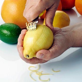 Râpe à zester 4 en 1 lame inox et manche plastique jaune