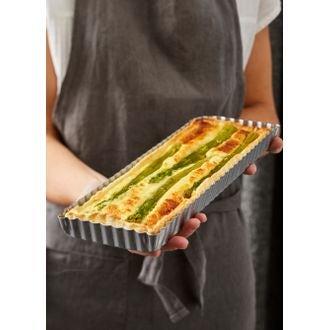 MAOM - Moule à tarte rectangulaire avec fond amovible revêtu 32x22x2,8cm
