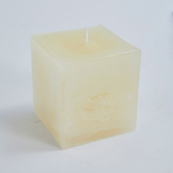 Candela quadrata avorio 7,5x7,5x8cm