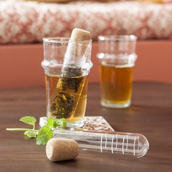 Achat en ligne Infuseur à thé tube verre et liège