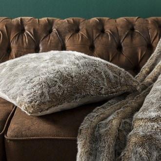 Coussin effet fourrure marmotte 45x45cm