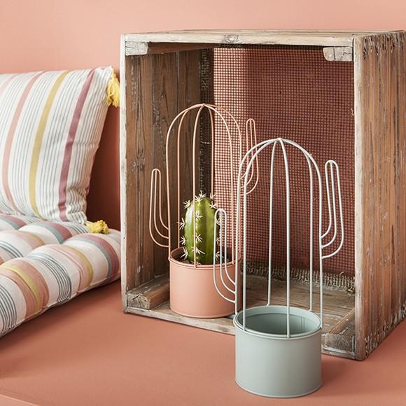 cache pot avec carcasse cactus vieux rose d12xh34cm pas. Black Bedroom Furniture Sets. Home Design Ideas