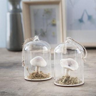 Mini cloche à suspendre avec décor intérieur champignon