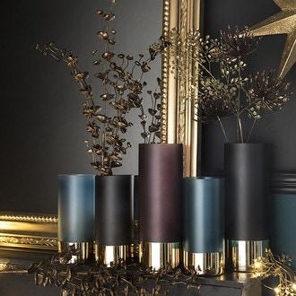 Vase en verre opaque base dorée noir mat glamour d8xh18,5cm