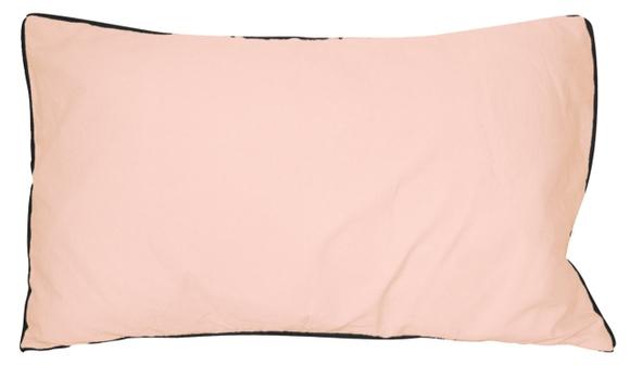 Achat en ligne Coussin en coton lavé rose make up Ines 30x50cm