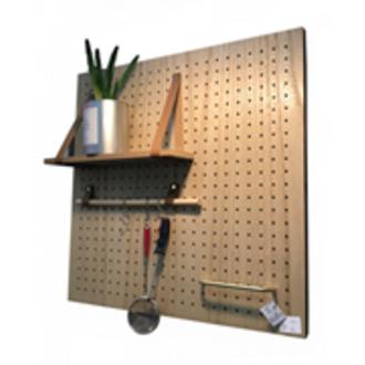 Pegboard bois 59,5x59,5x12cm avec accessoires: 2 lanières cuir, 1 étagère mdf, 1 poignée dorée, 1 support bois avec 3 crochets, 2 clips