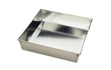 Achat en ligne Moule à manqué carré en fer blanc 22cm