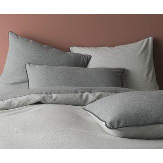 Taie 65x65cm flanelle gris chiné clair/gris +passepoil