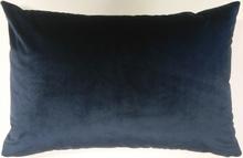 Achat en ligne Coussin 70x40cm en velours bleu nuit Scala