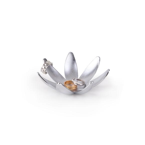 Porte bagues en forme de magnolia à 7 branches