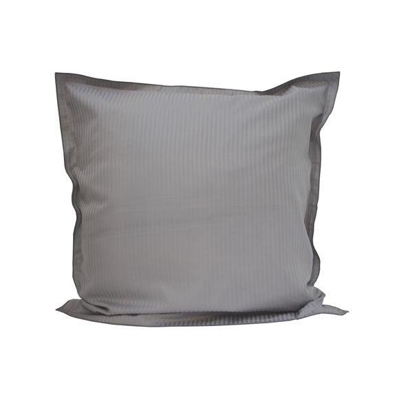 Federa quadrata in raso grigio a righe con bordo ricamato 65x65cm