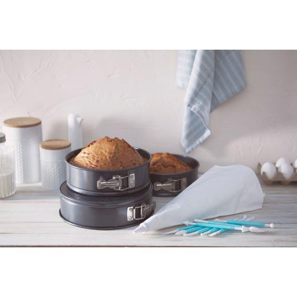 Coffret pièce-montée avec 3 moules et 8 ustensiles cake design