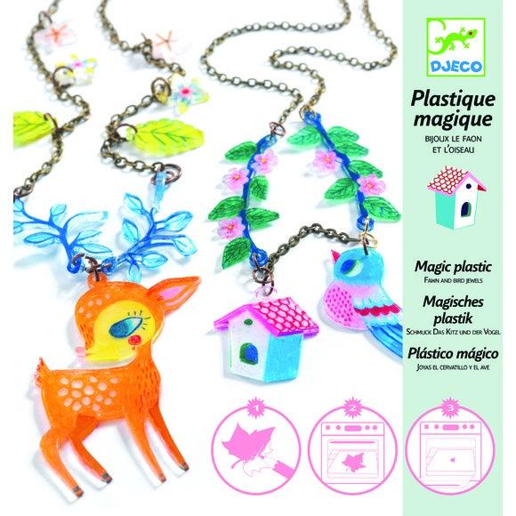Bijoux en plastique magique