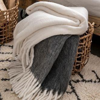 Plaid effet mohair à franges gris souris lena 125x150cm