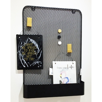 Pegboard métal noir avec 3 accessoires 35x8x50,5cm