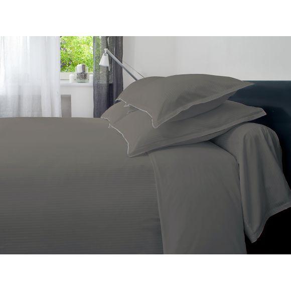 Taie d'oreiller carrée rayures satin gris brodée 65x65cm