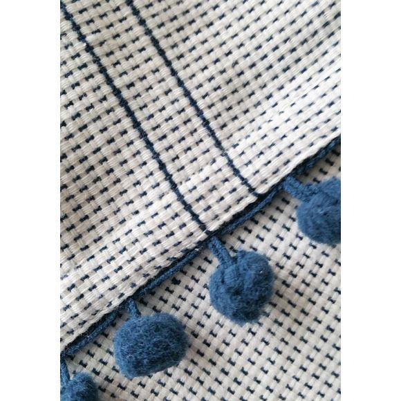 Nappe 150x150cm en coton imprimé bleu avec pompons Dobby