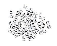 Achat en ligne Perles acrylique lettres carré