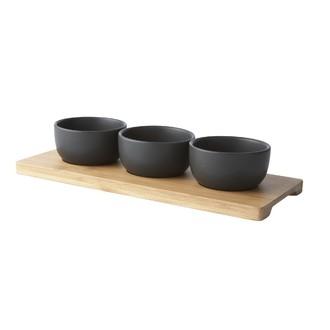 3 bols sur planche en bambou