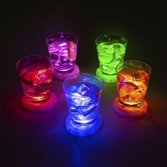 Achat en ligne 5 dessous de verre Ovni à led blanc 9 cm